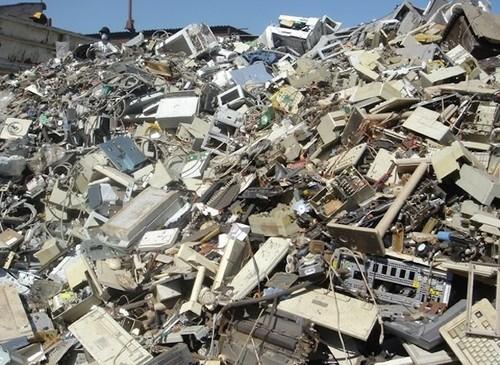 Rośnie ilość elektronicznych śmieci jak sobie z nimi radzić .. ?!